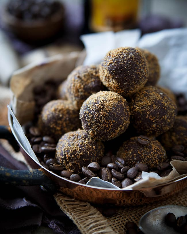 Dark Chocolate Kahlua Coffee Bites | Running to the Kitchen