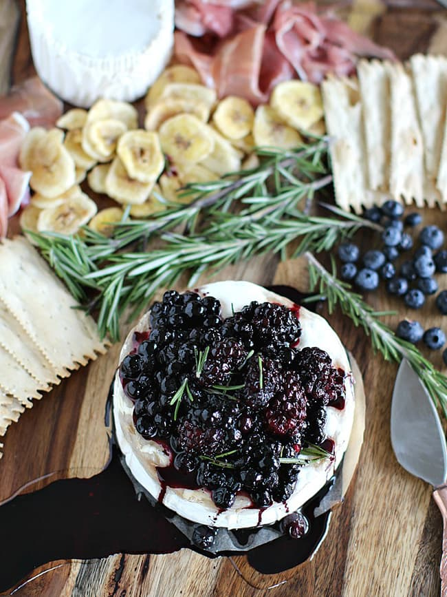 Rosemary Berry Baked Brie | Peas and Peonies