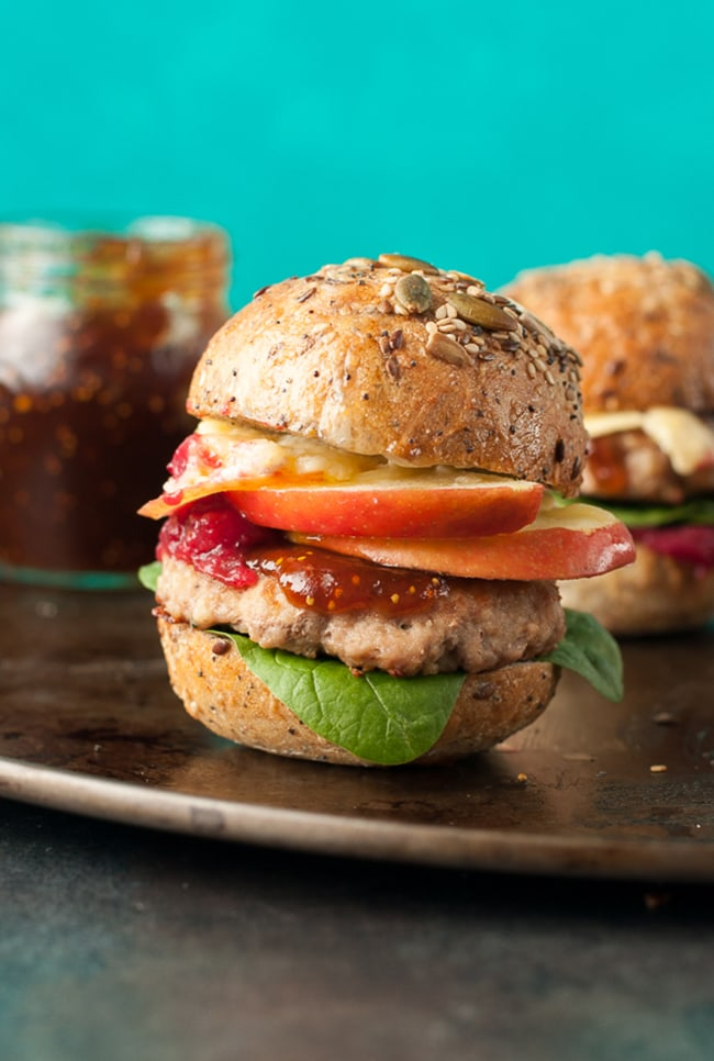 Apple Berry Brie Turkey Burger Sliders | Peas and Crayons