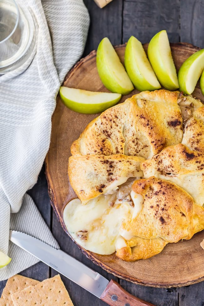 Apple Pie Baked Brie   The Cookie Rookie