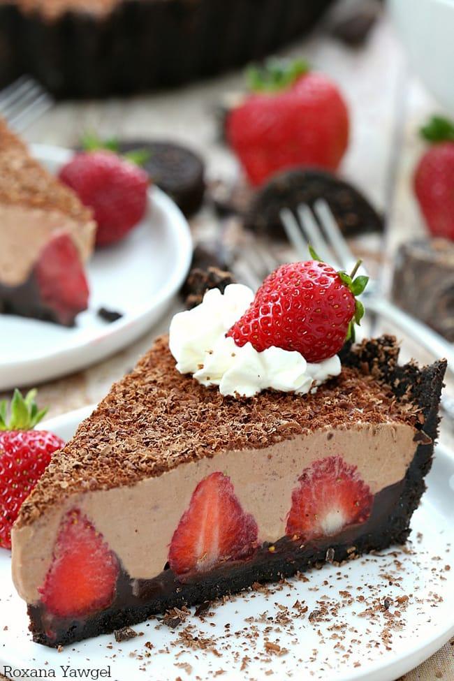 No Bake Strawberry Chocolate Pie | A Treat's Affair