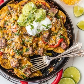Skillet Steak Fajita Nachos