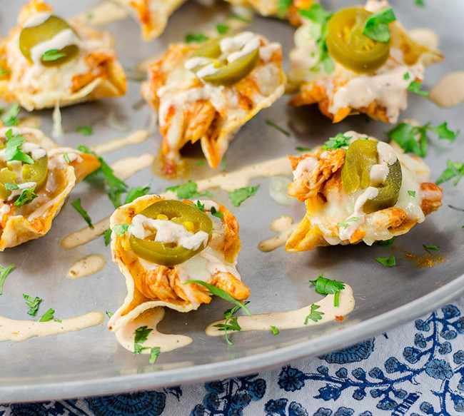 Cheesy Chipotle Chicken Nachos | Peas and Peonies