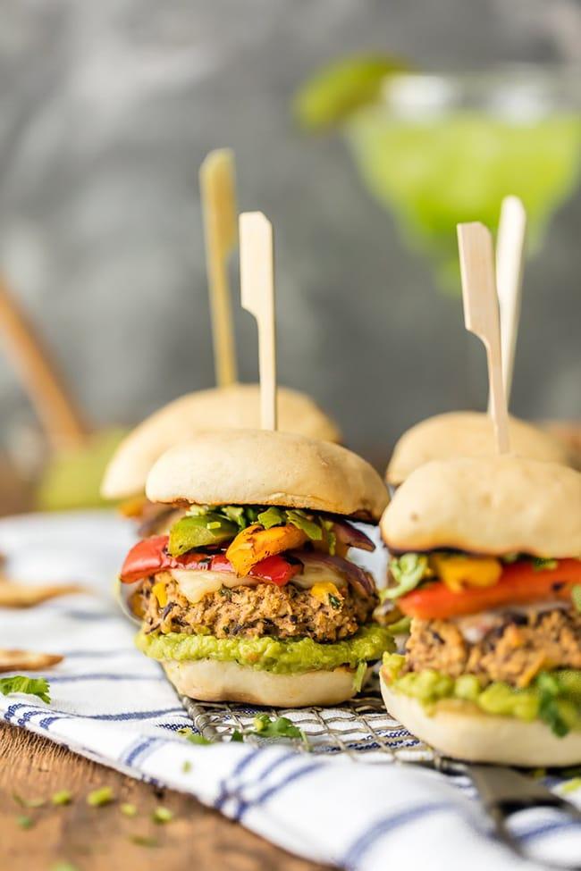Hummus Fajita Black Bean Burger Sliders | The Cookie Rookie