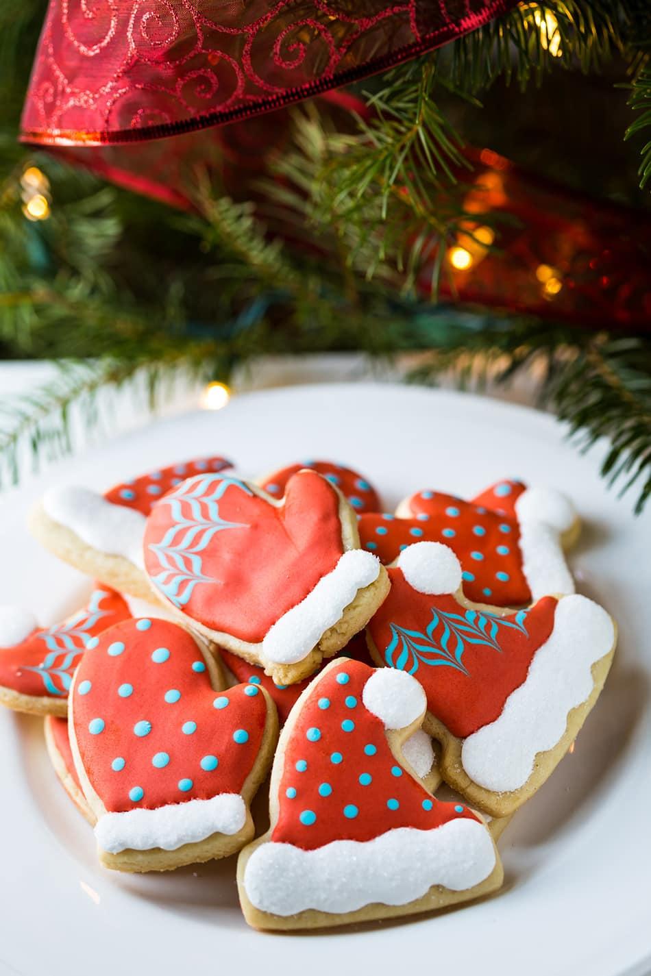 Christmas Cookie Decorating Tutorial | Noshtastic