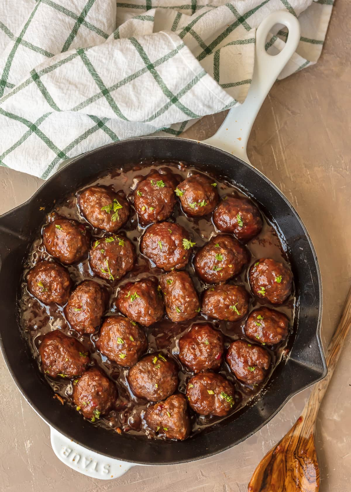 SWEET & SPICY CRANBERRY COCKTAIL MEATBALLS are the perfect holiday appetizer! Cooked in a cranberry pepper jelly sauce; SO delicious! The best Thanksgiving, Christmas, or New Years Eve appetizer!