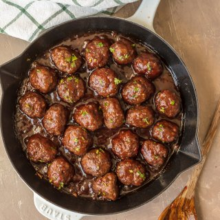 Sweet and Spicy Cranberry Cocktail Meatballs