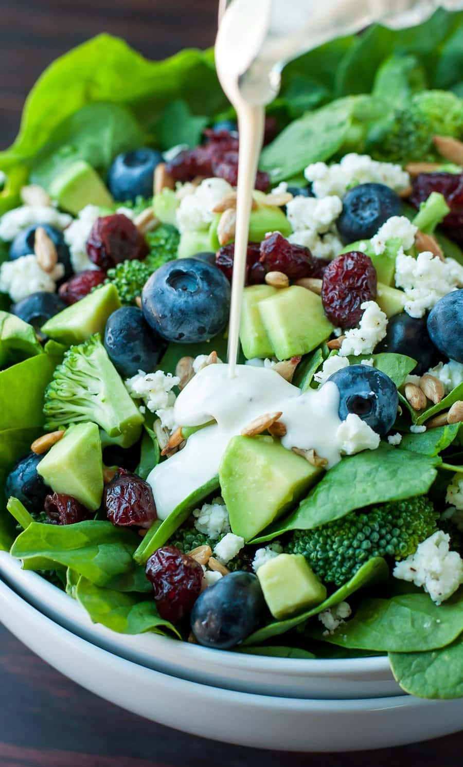 Blueberry Broccoli Spinach Salad with Poppyseed Ranch Dressing | Peas and Crayons