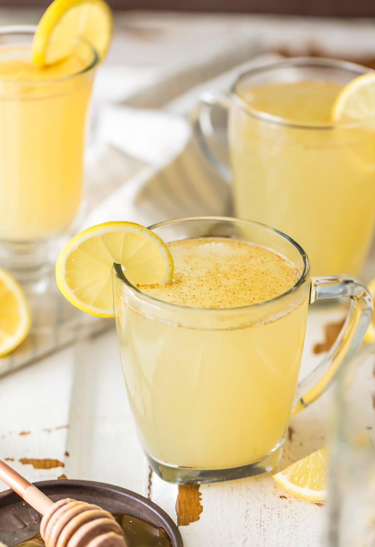 Homemade Lemon Detox Recipe: lemon juice, hot water, ginger, cayenne