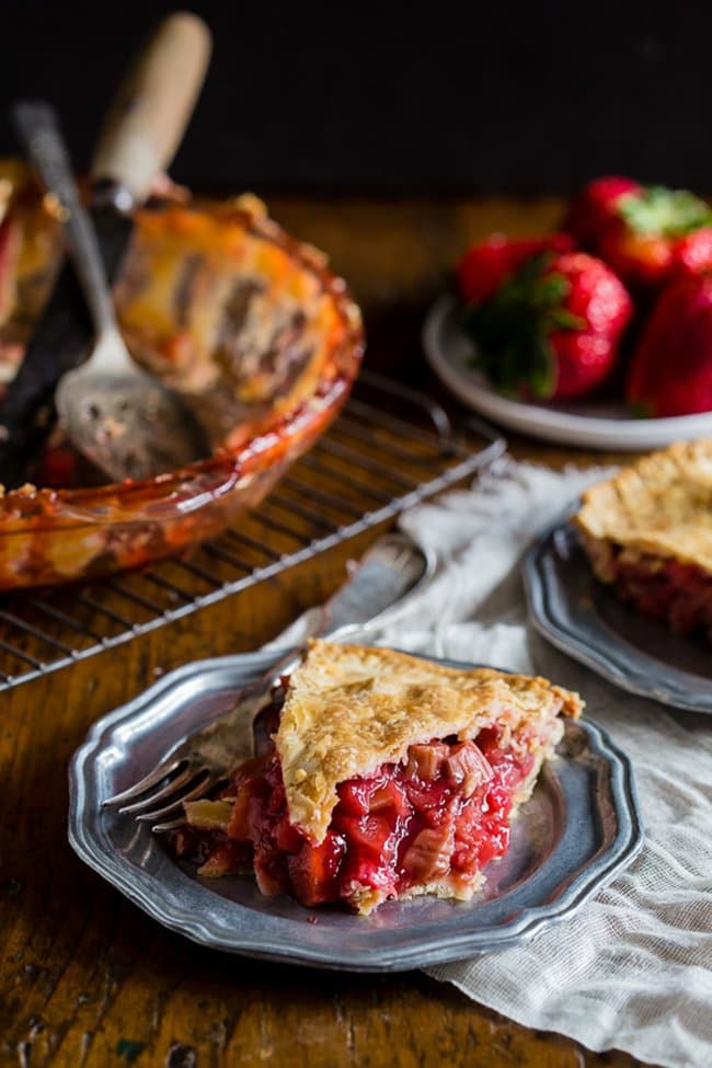 Strawberry Rhubarb Pie | Nutmeg Nanny