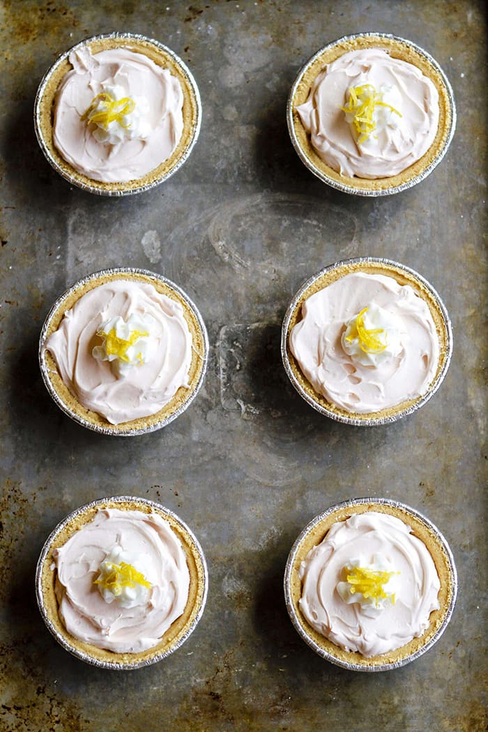 Mini No Bake Pink Lemonade Kool-Aid Pies | Unsophisticook