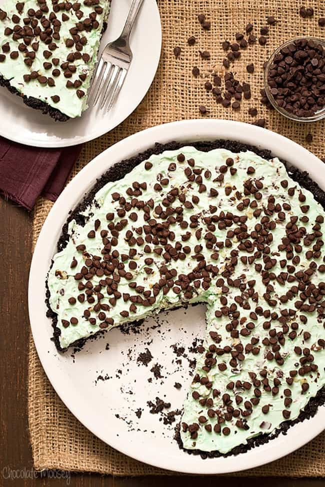 No Bake Mint Chocolate Chip Pie | Chocolate Moosey