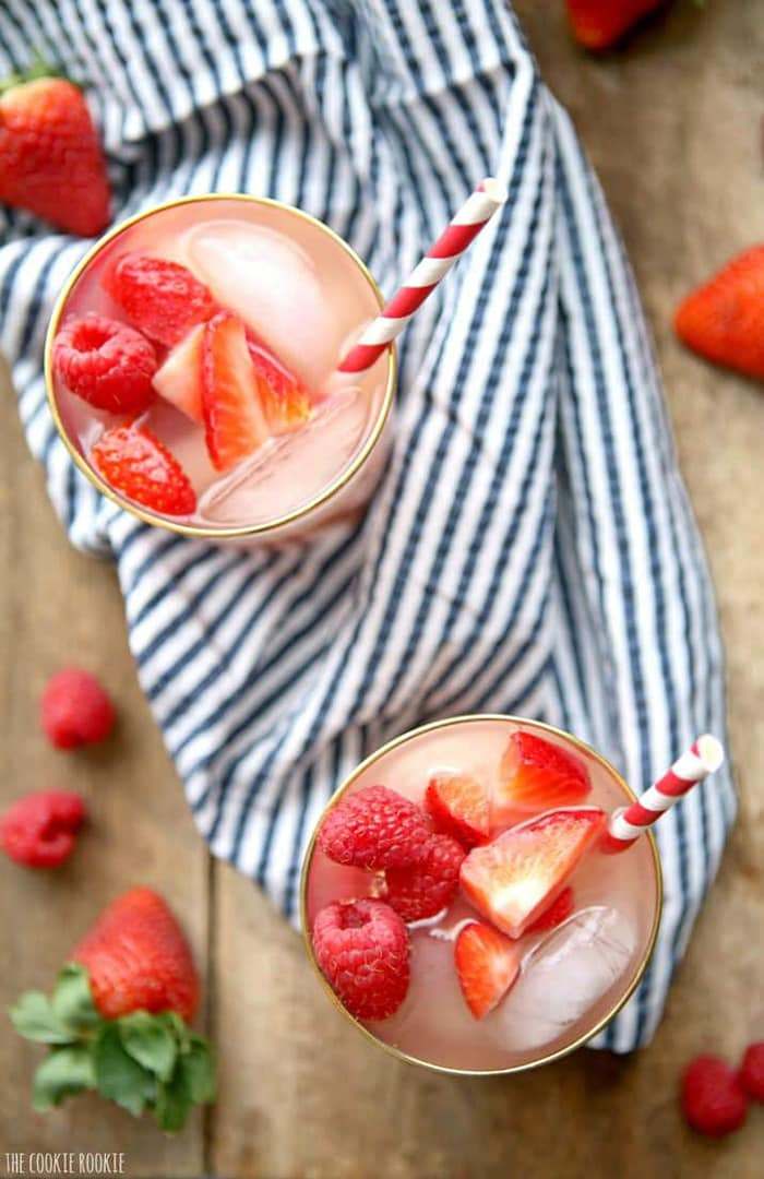 Red Berry Sangria | The Cookie Rookie