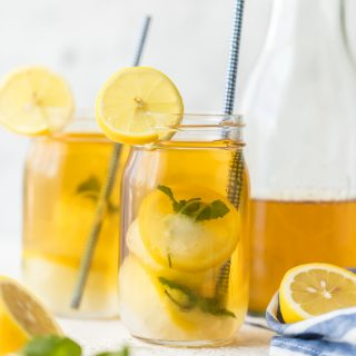 Every glass of iced tea needs LEMON MINT SIMPLY SYRUP ICE CUBES! Just mix, freeze, and drop in your favorite iced tea to make a sweet Summer treat. No more watered down sweet tea for me!
