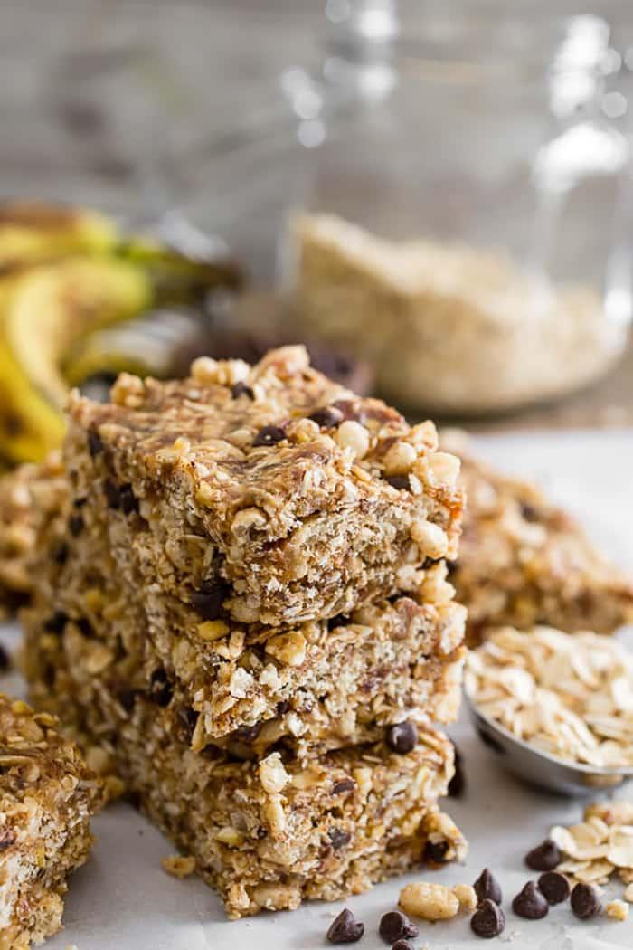No Bake Peanut Butter Banana Chocolate Chip Granola Bars | Nutmeg Nanny