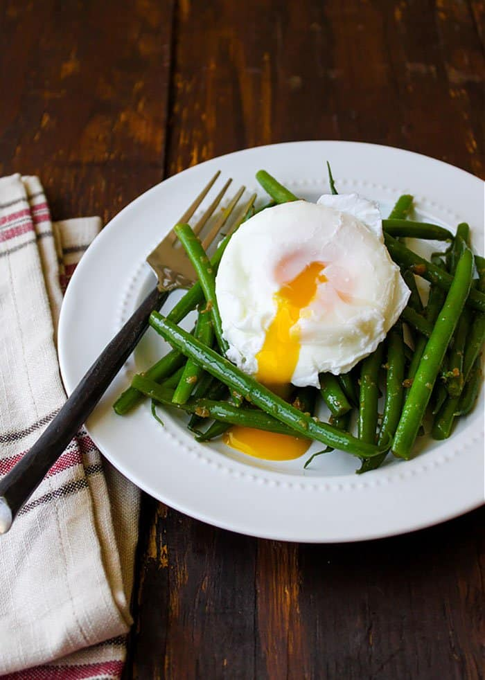 Haricots Verts with Poached Eggs | The Little Epicurean