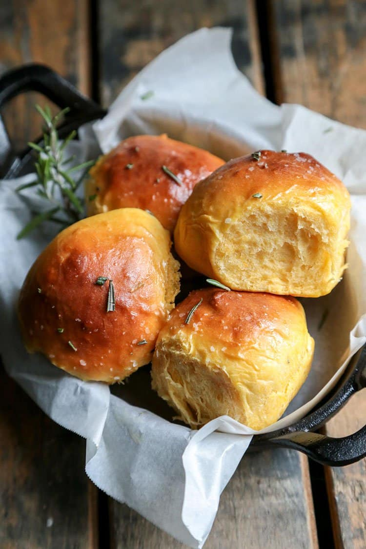 Rosemary Sea Salt Sweet Potato Rolls | Country Cleaver