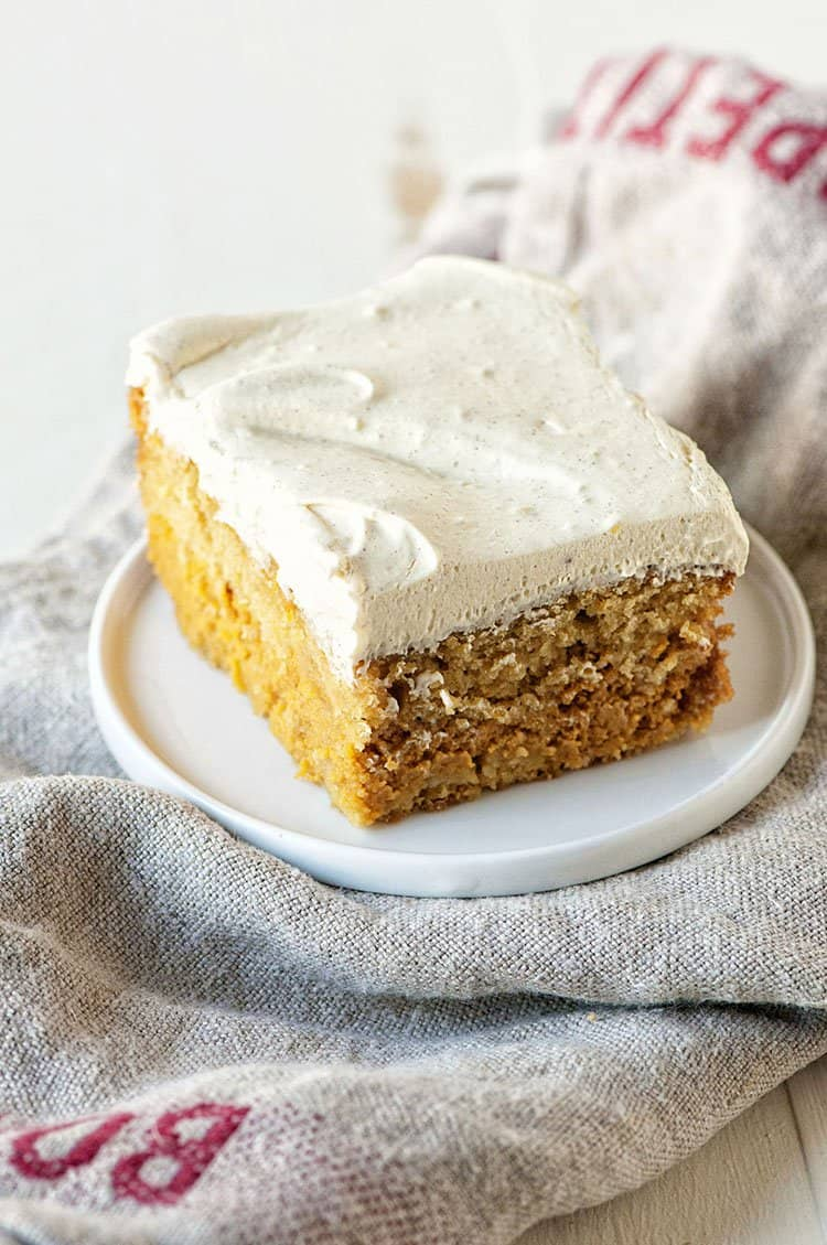 Pumpkin Spice Latte Magic Cake | Sweet Recipeas