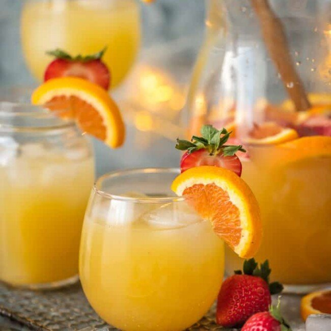 glasses of grapefruit sangria