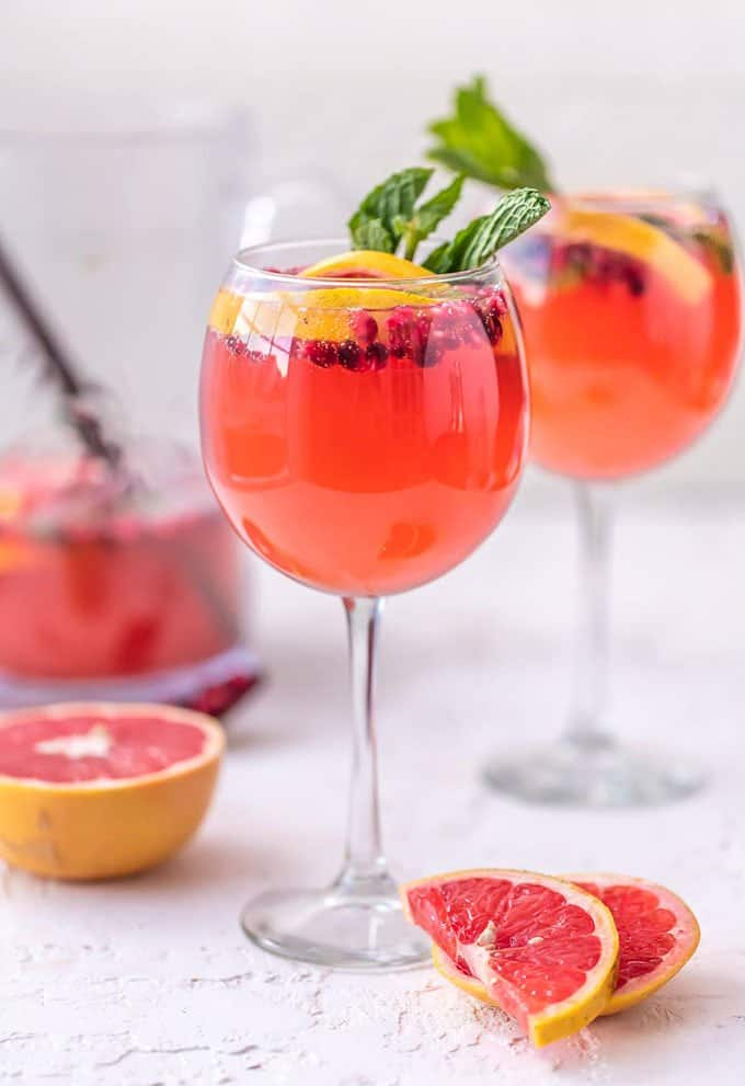 Pink Champagne Sangria | The Cookie Rookie