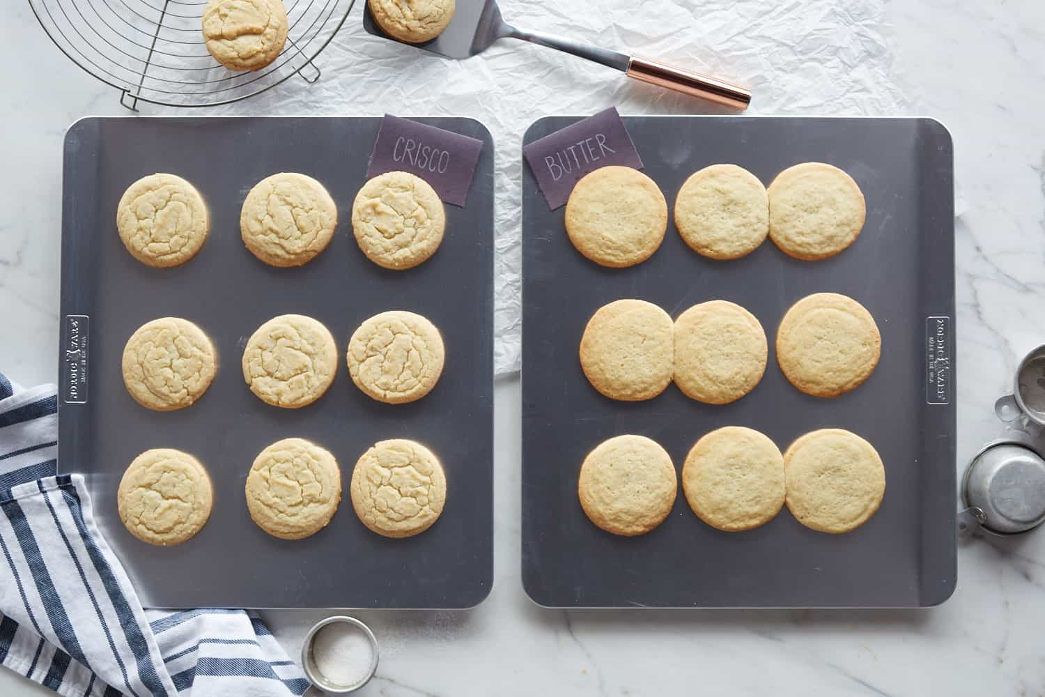 cookie sheets with cookies with shortening vs butter
