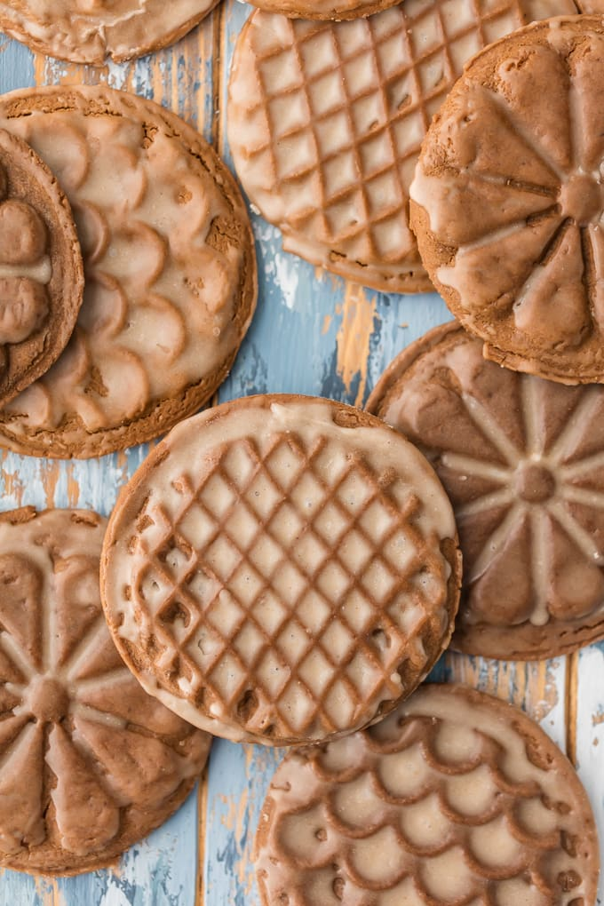 stamped/pressed SOFT GINGERBREAD COOKIE RECIPE