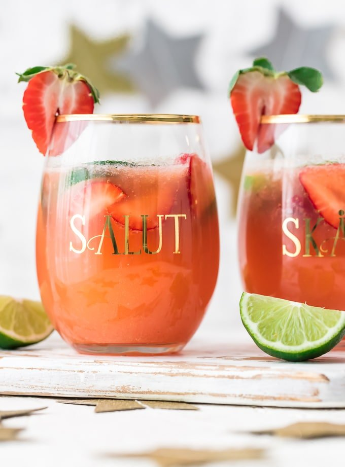 Salut glass filled with margarita punch