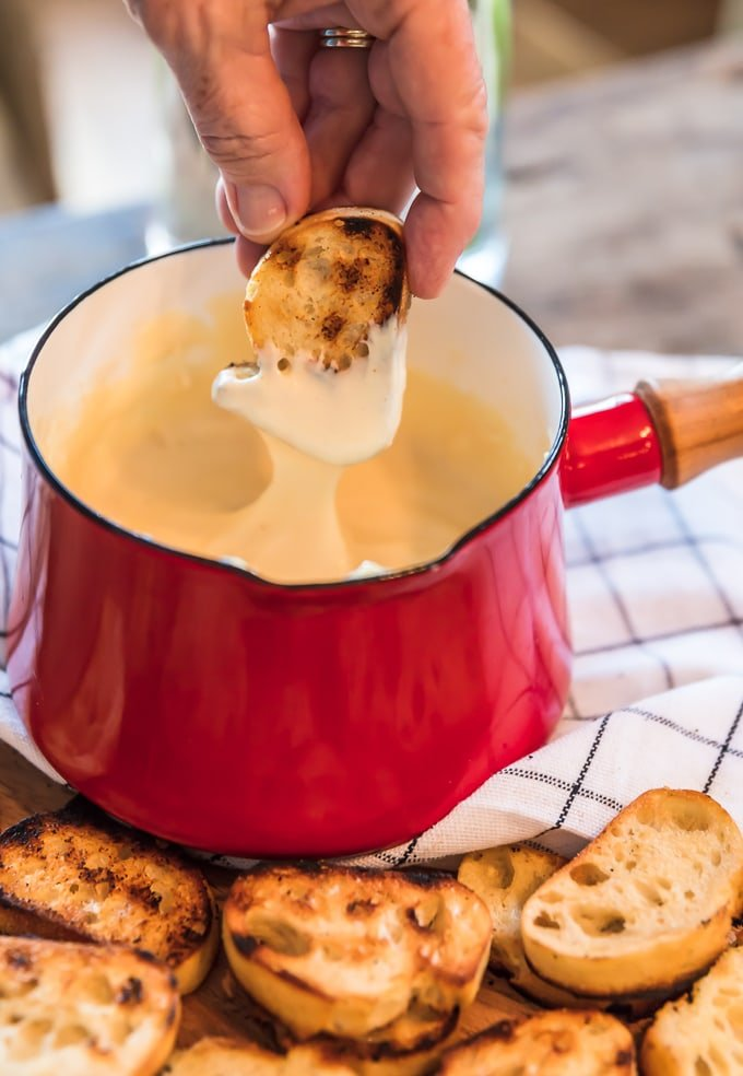 cheese fondue and toasted bread