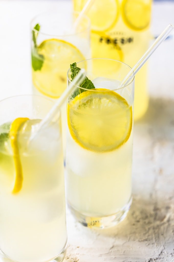 Tall glasses of fresh lemonade