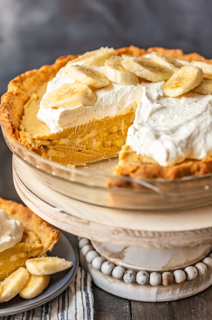 Easy banana cream pie on a clear pie dish