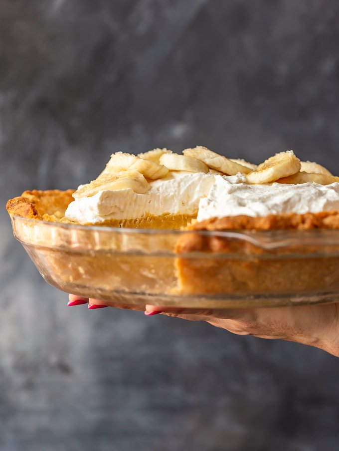 Banana Cream Pie in a clear glass dish