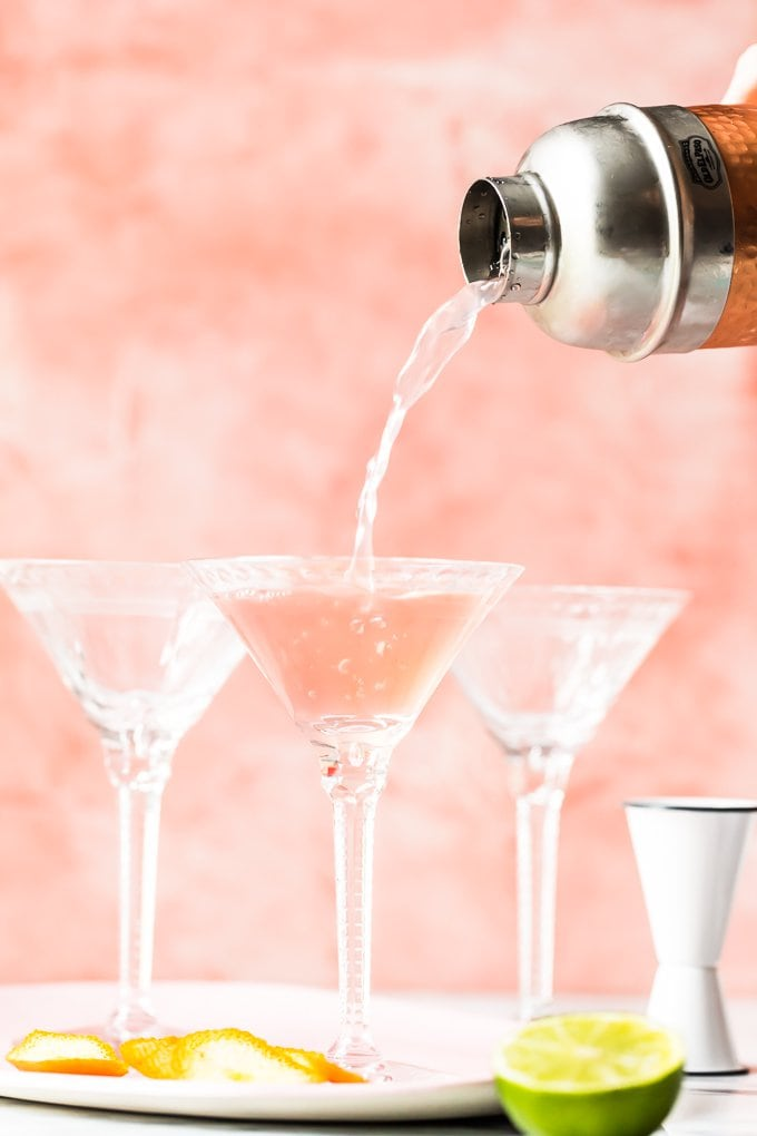 Cosmo Recipe for a Crowd (How to Make a Cosmopolitan) VIDEO!!
