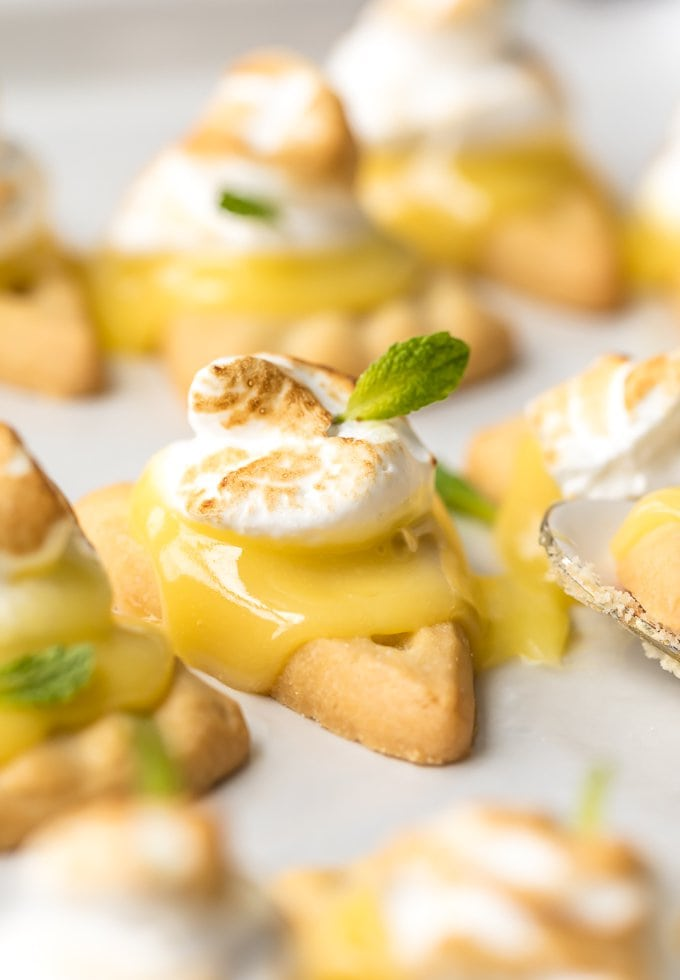 Shortbread cookies topped with lemon curd and meringue