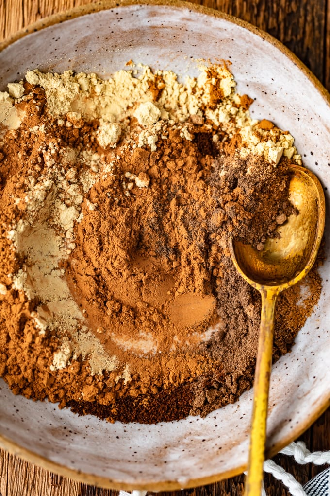Pumpkin Spice recipe: cinnamon, nutmeg, mace, cloves, allspice, ginger