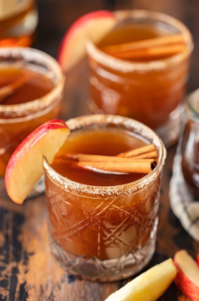 apple drink with cinnamon