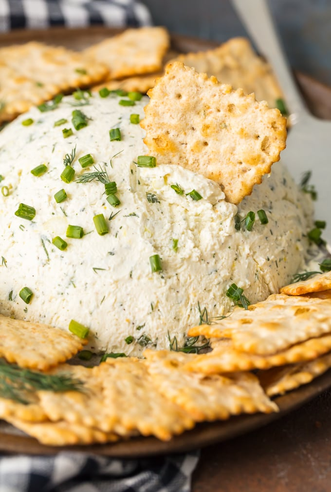 Cream Cheese dip with crackers