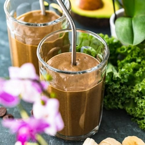 chocolate detox smoothie in glass