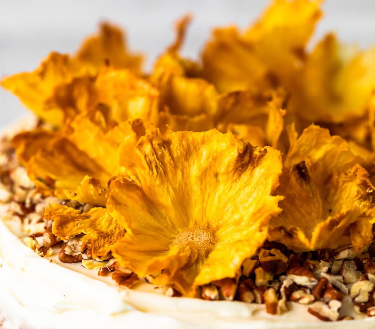 dried pineapple flowers