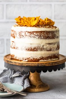Hummingbird Cake is a sweet and delicious dessert for any occasion. This beautiful banana pineapple cake with cream cheese frosting is a popular Southern cake recipe that everyone should try. Make this Hummingbird Cake recipe (with pineapple flowers) for Easter, bridal showers, and more!