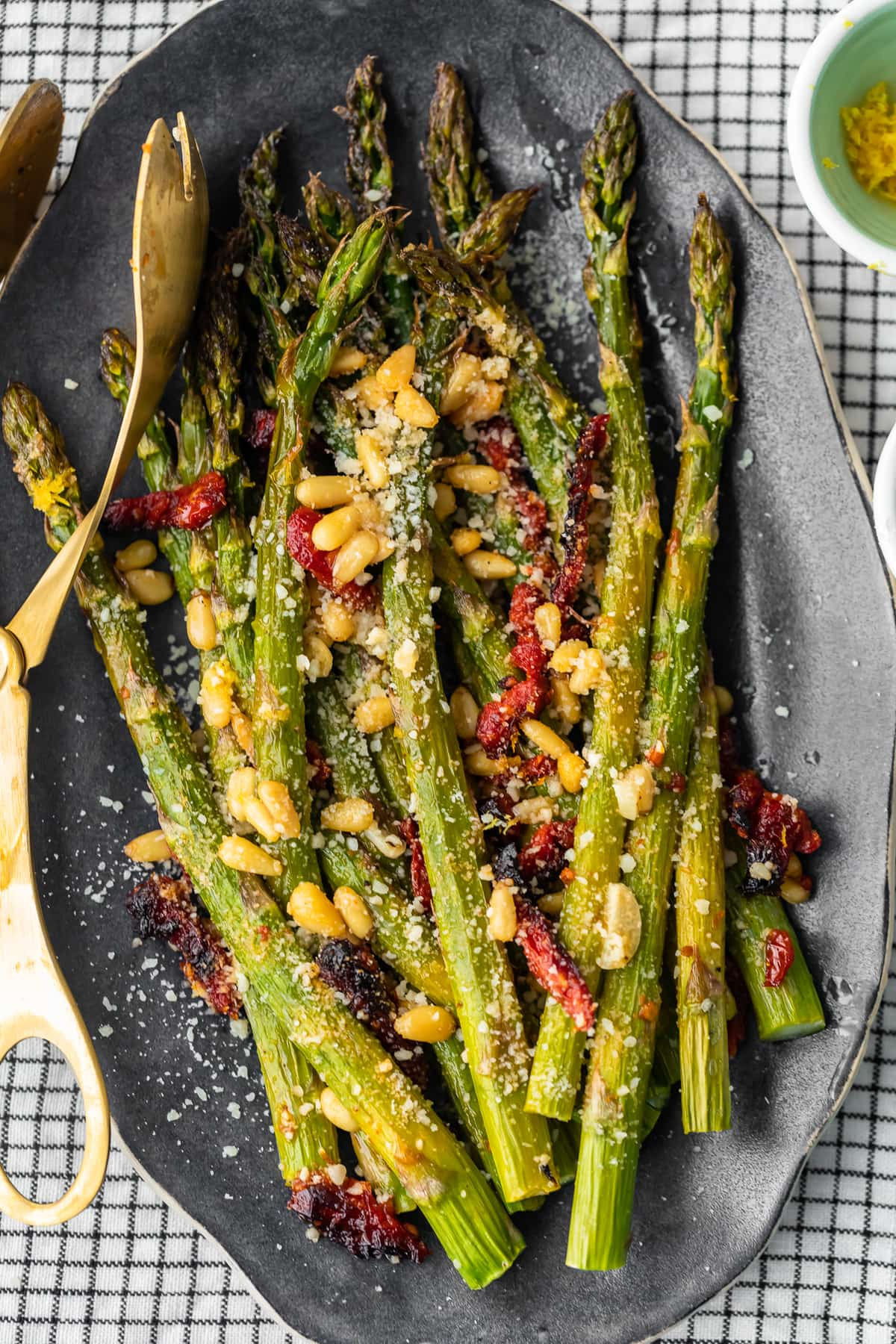 serving plate of asparagus