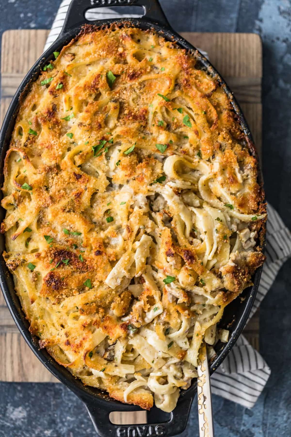 Top shot of baked chicken tetrazzini