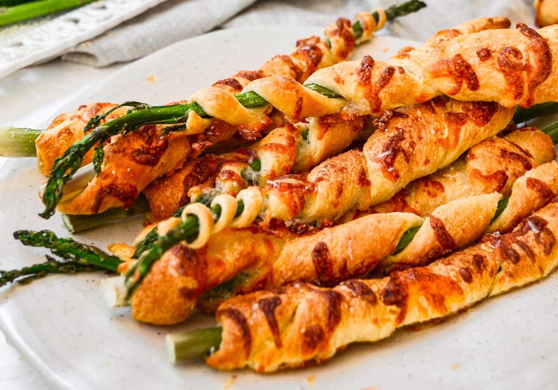 cheesy asparagus spirals