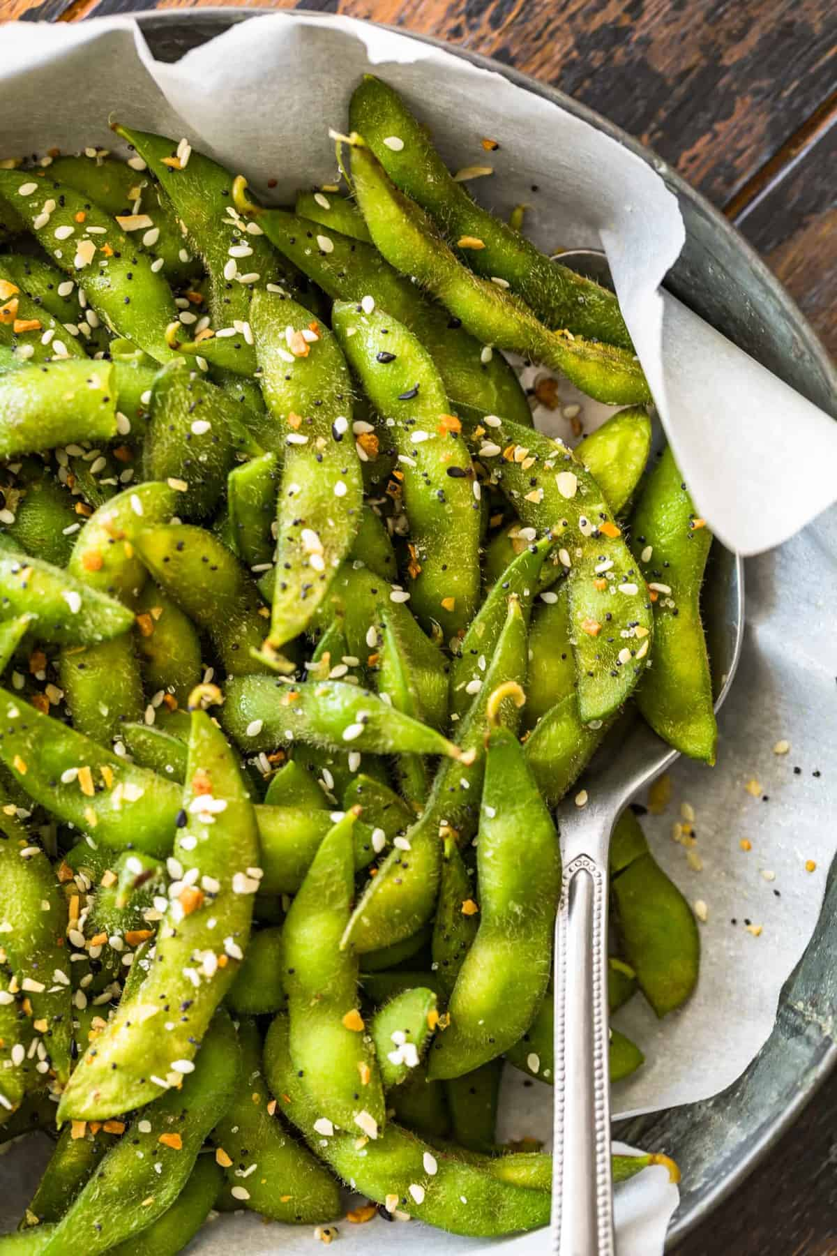 A close up view of edamame seasoned with everything bagel seasoning