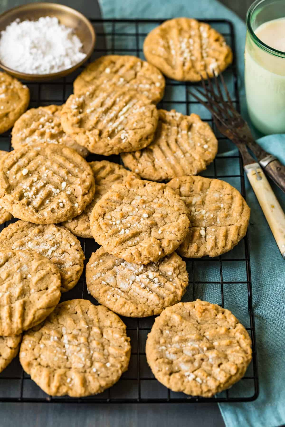 Baked peanut butter cookies with fork marks in them