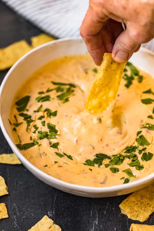dipping tortilla