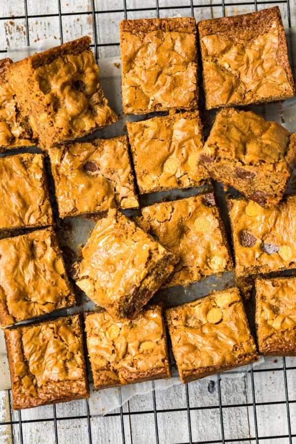 overhead image of peanut butter blondies
