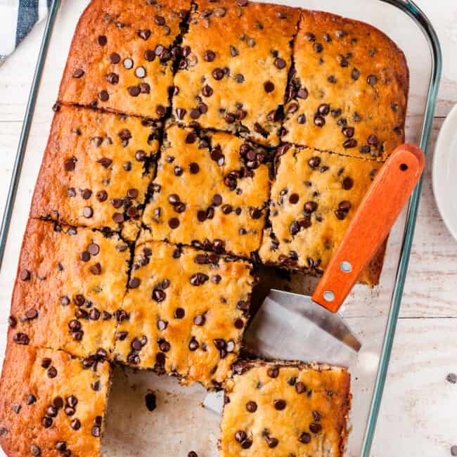 sliced banana bars with chocolate chips