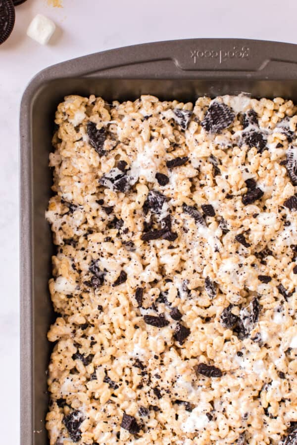 oreo rice krispie treats in pan