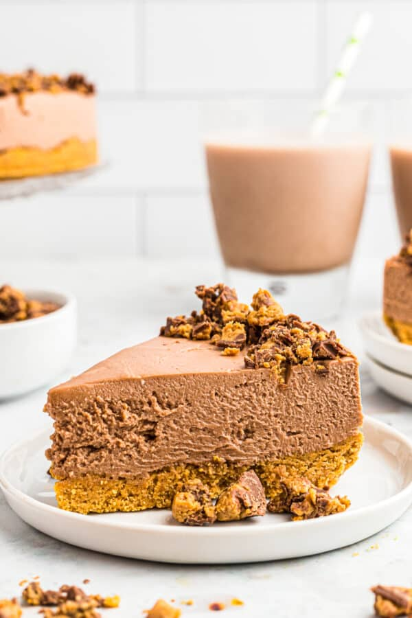chocolate no bake cheesecake on plate