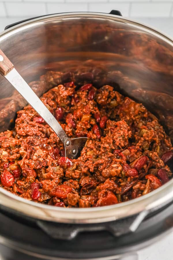beef chili made in an instant pot